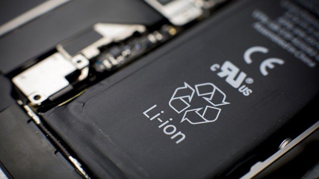 batteria-smartphone-1024x576-c038fb0f9b83513a631f64ac1289fc2f20f02461