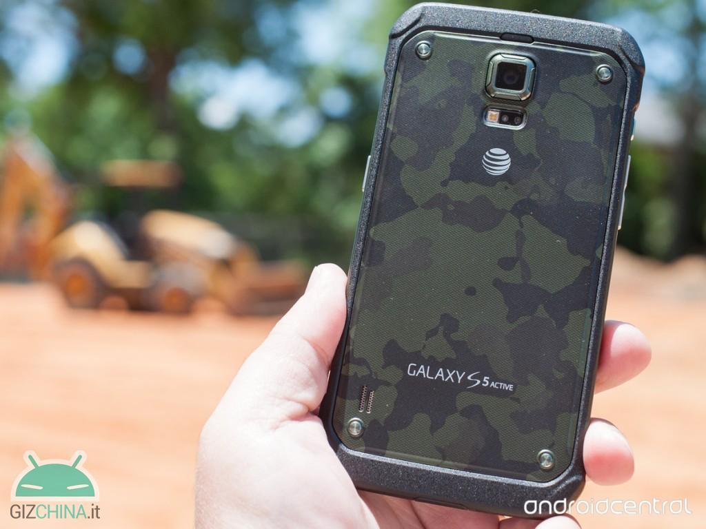Samsung Galaxy S7 Active foto