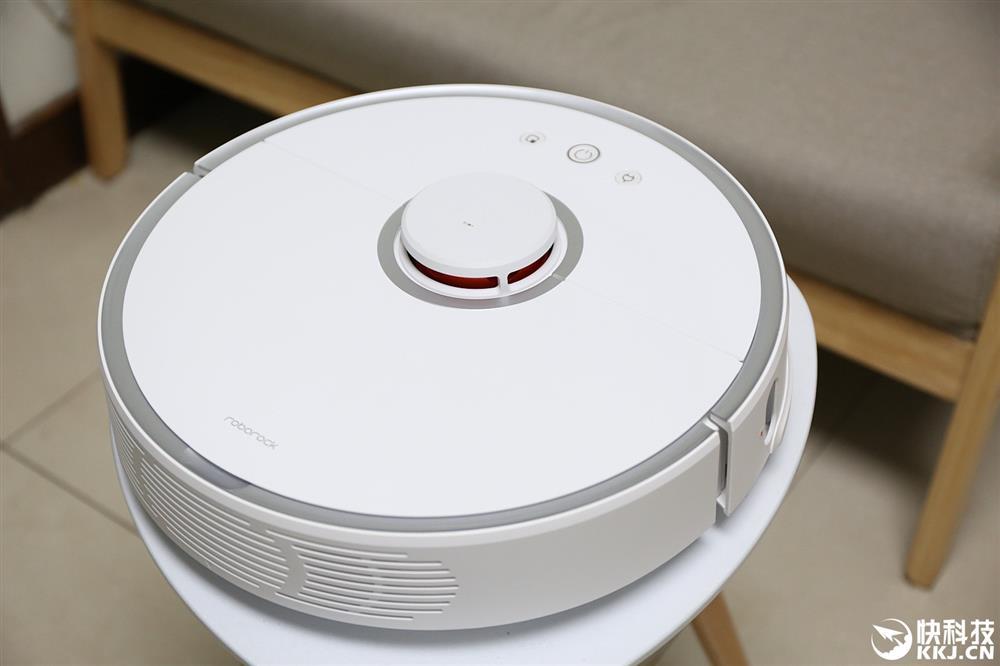 xiaomi-mi-robot-vacuum-2-01