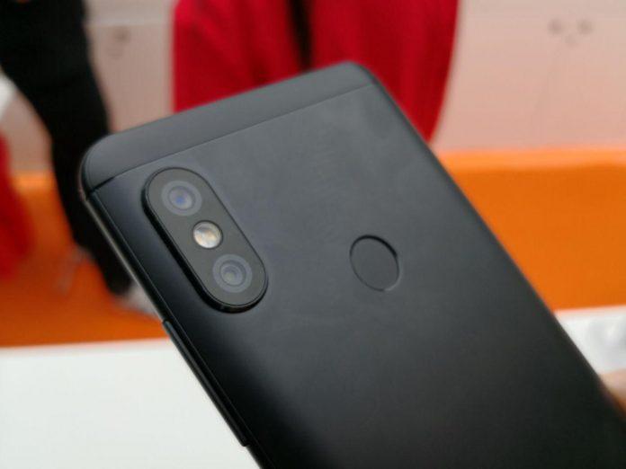 Xiaomi-redmi-NOTES-5-Pro-hands-on-mwc-2018-dupla câmara