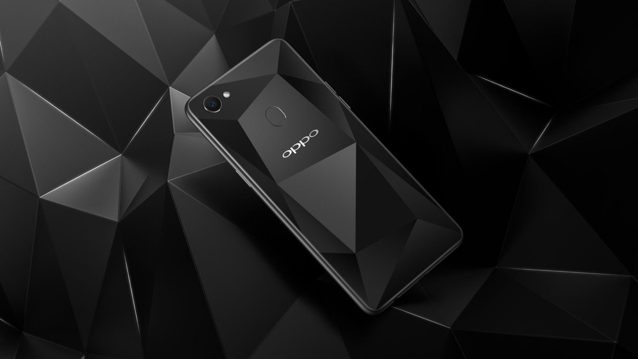 OPPO F7 Diamond Black Special Edition ufficiale in India