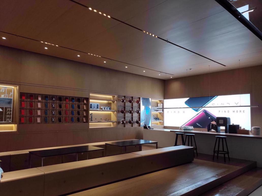 OPPO Flagship Store Shenzhen 1
