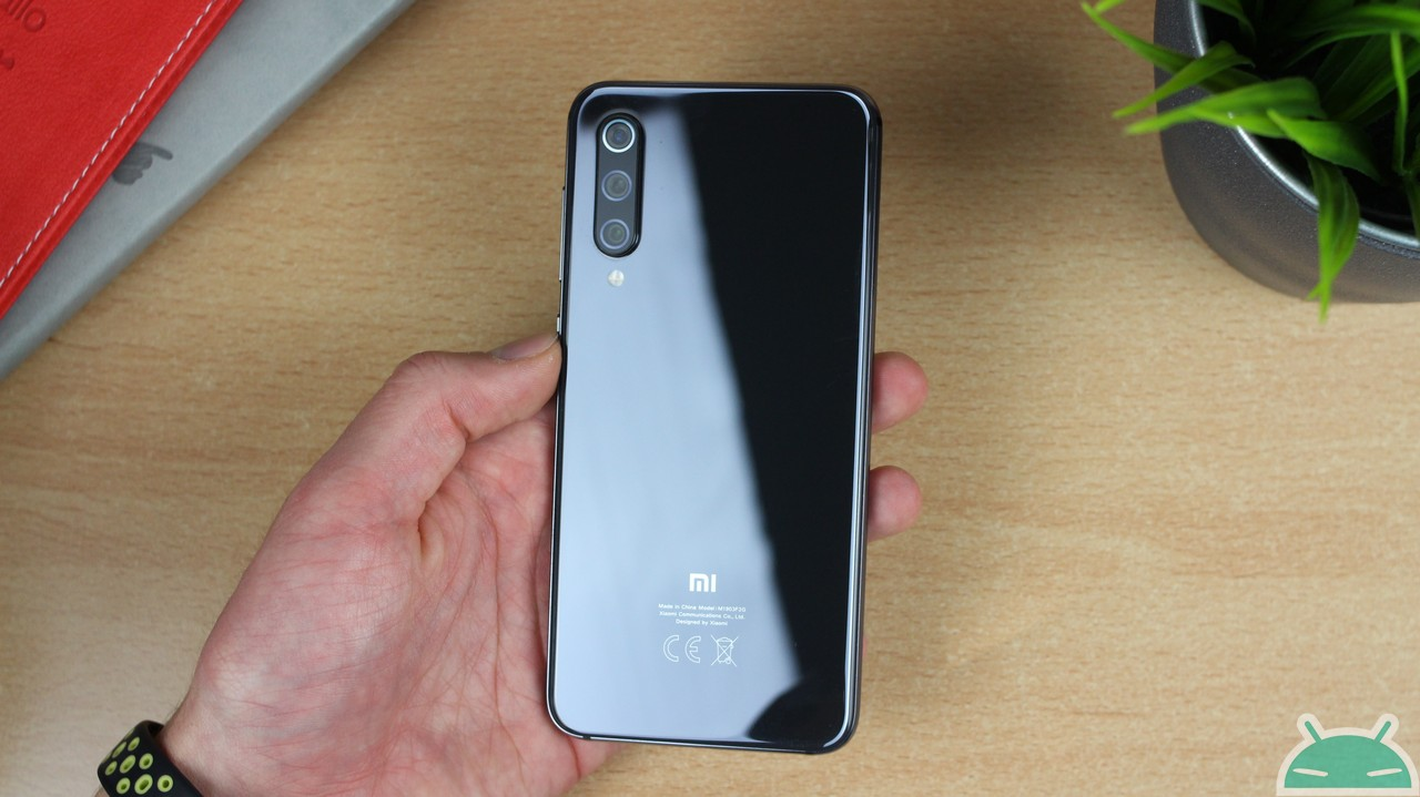 Xiaomi Mi 9 SE Global 6 / 64 GB - Banggood