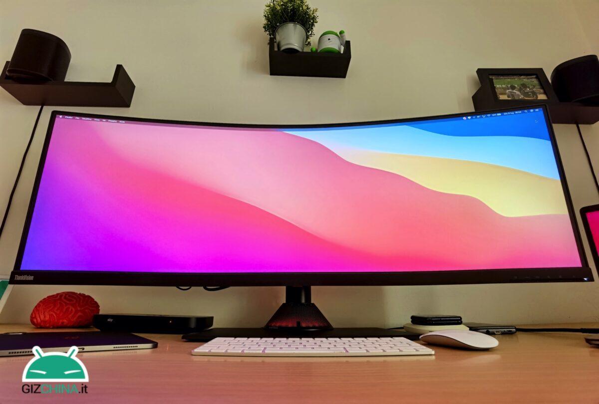 Recensione Lenovo ThinkView P44w monitor display